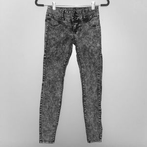 Grey-washed skinny jeans